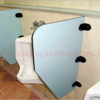 Vách vệ sinh tiểu nam giá rẻ